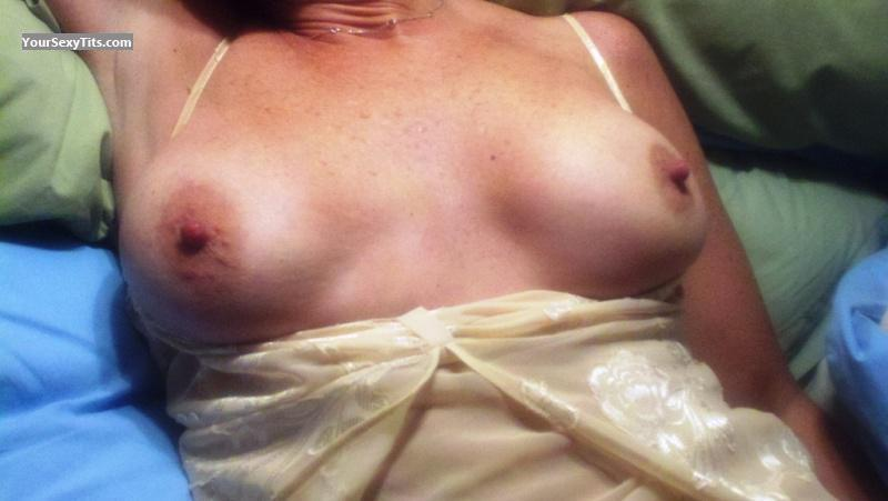 Medium Tits Of My Wife Lydia 10