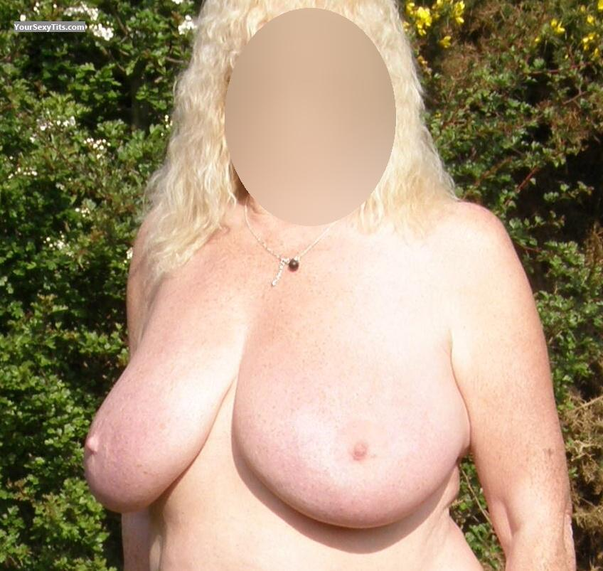 Tit Flash: Wife's Medium Tits - Bobo from United Kingdom