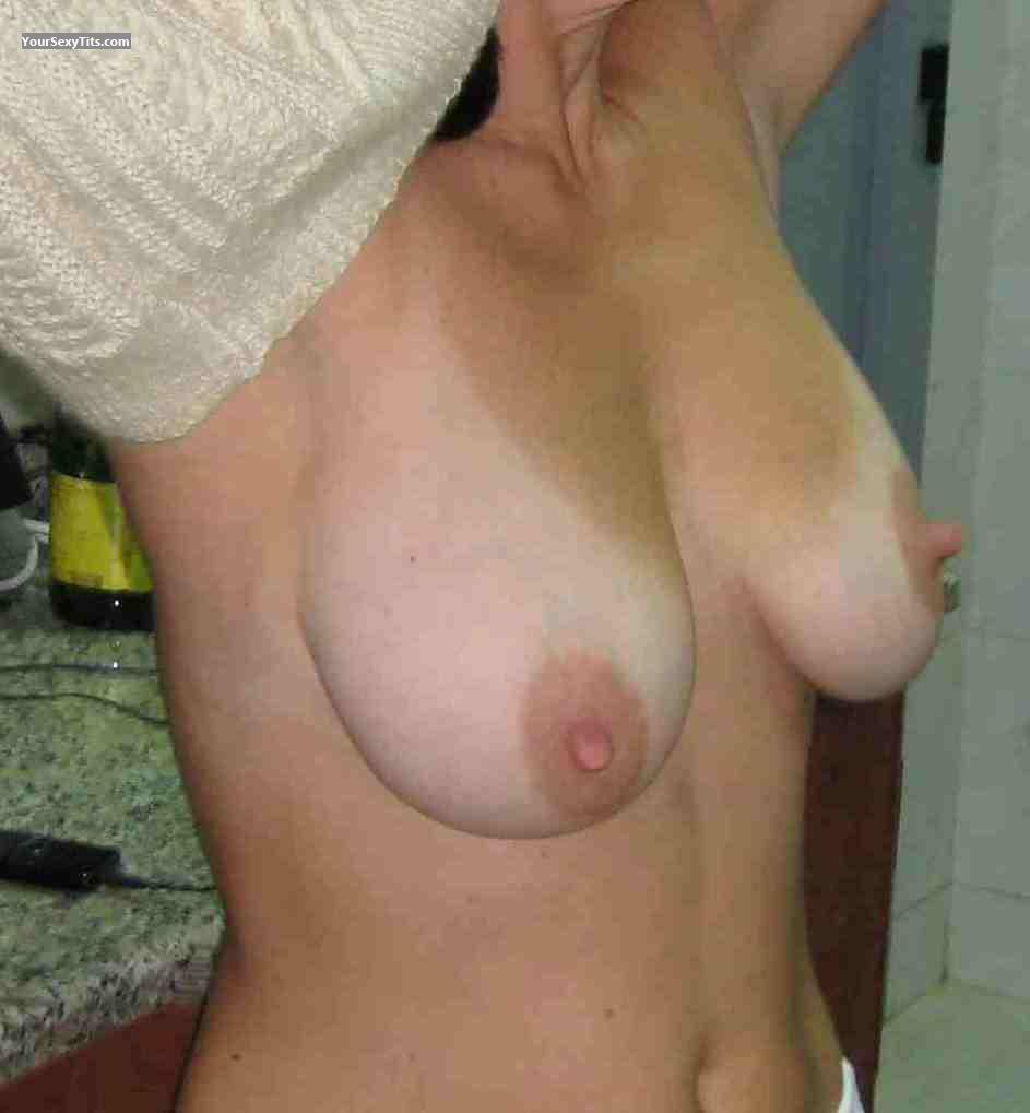 Tit Flash: Medium Tits - Anne from Germany
