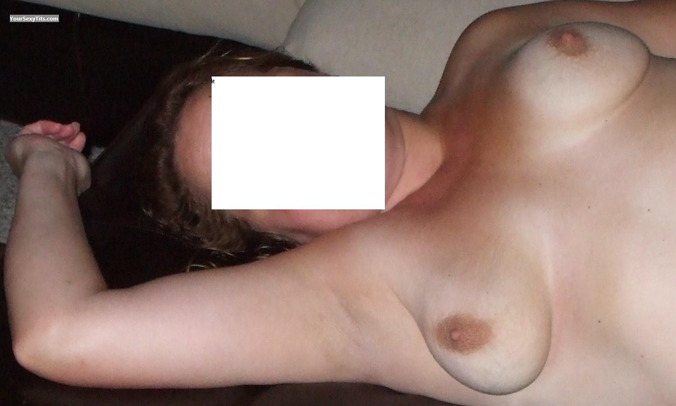 Tit Flash: Medium Tits - Sexy Beast from United States