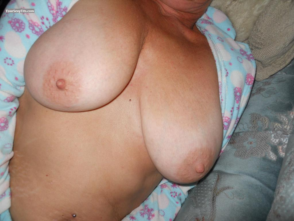 Tit Flash: Medium Tits - Karts from United Kingdom