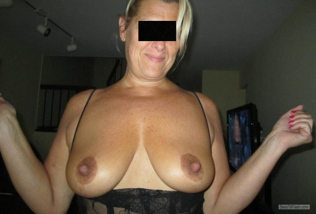 Tit Flash: Wife's Medium Tits - Juicy from United States