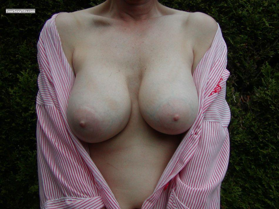 Tit Flash: Medium Tits - C.s. from United States