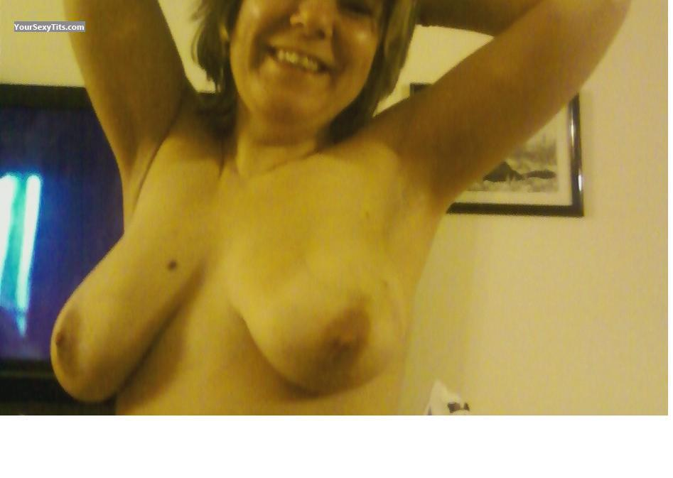 Tit Flash: Medium Tits - Mary11 from France