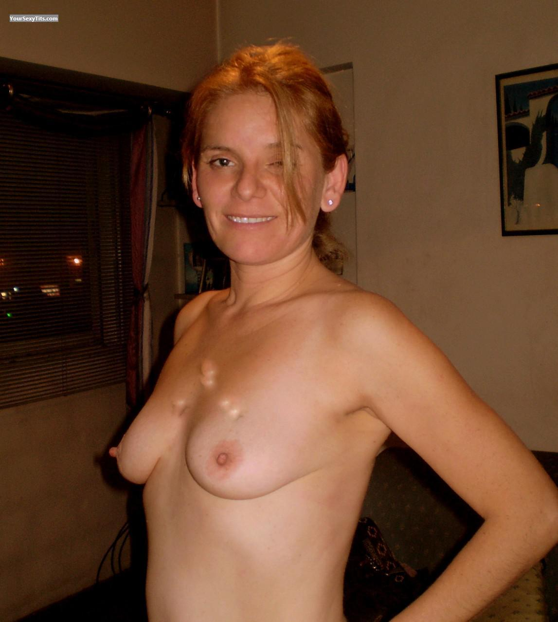 Medium Tits Topless Bethy