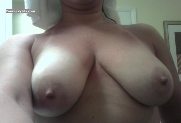 Tit Flash: Medium Tits - Suzy Q from United States