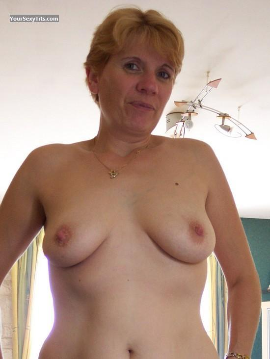Tit Flash: Medium Tits - Topless Isabelle from France