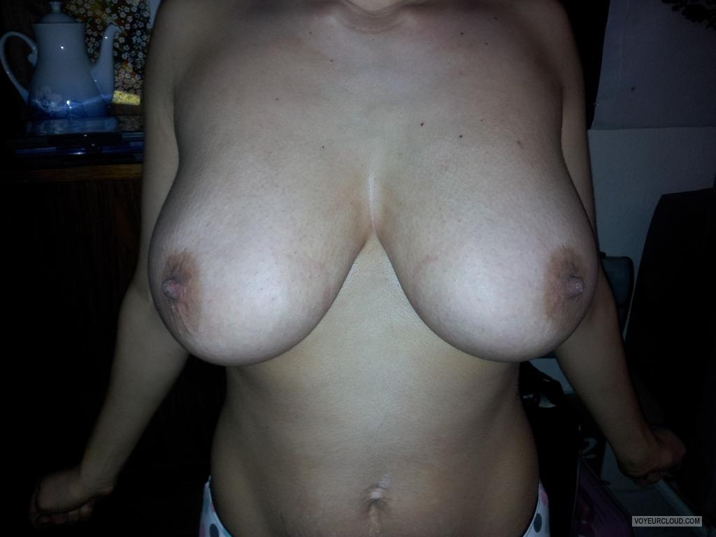 Tit Flash: Wife's Big Tits - Ibin from United States