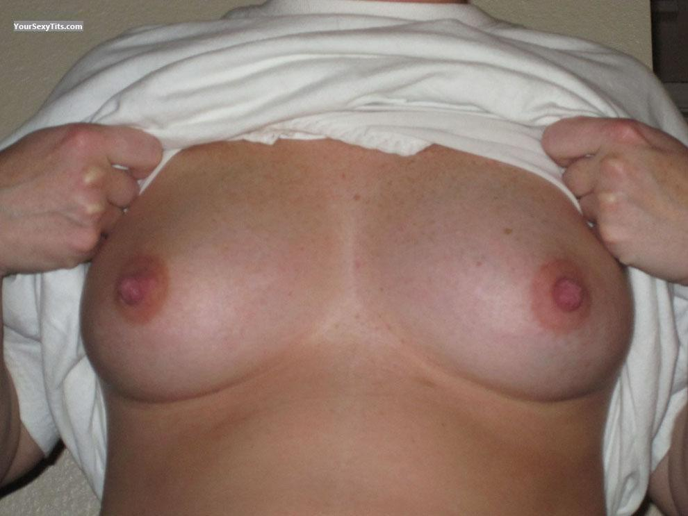 Tit Flash: Medium Tits - Redhot from United States