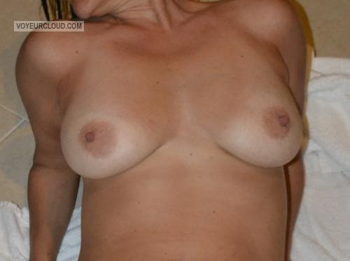Medium Tits Of My Wife Vegas Milf Laura