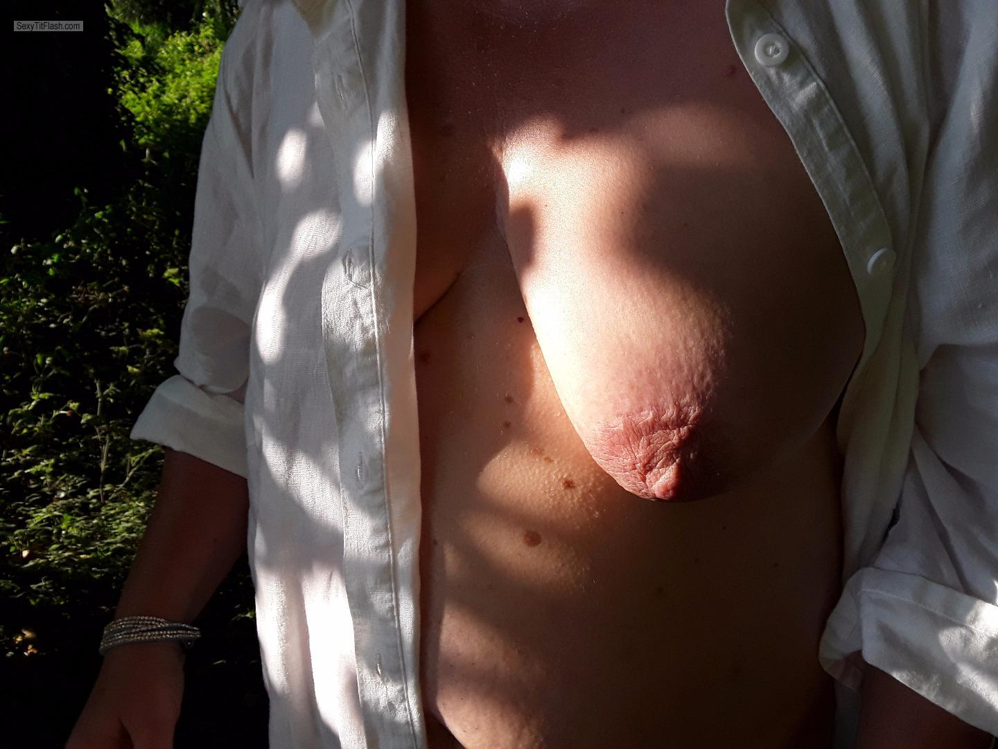 Tit Flash: Wife's Medium Tits - Topless Susi from Germany
