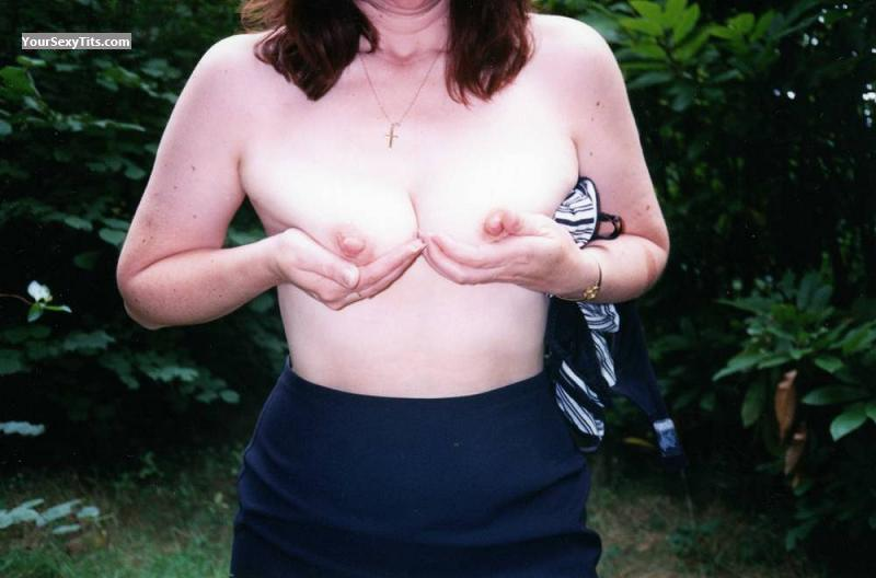 Tit Flash: Medium Tits - Sarah from United Kingdom