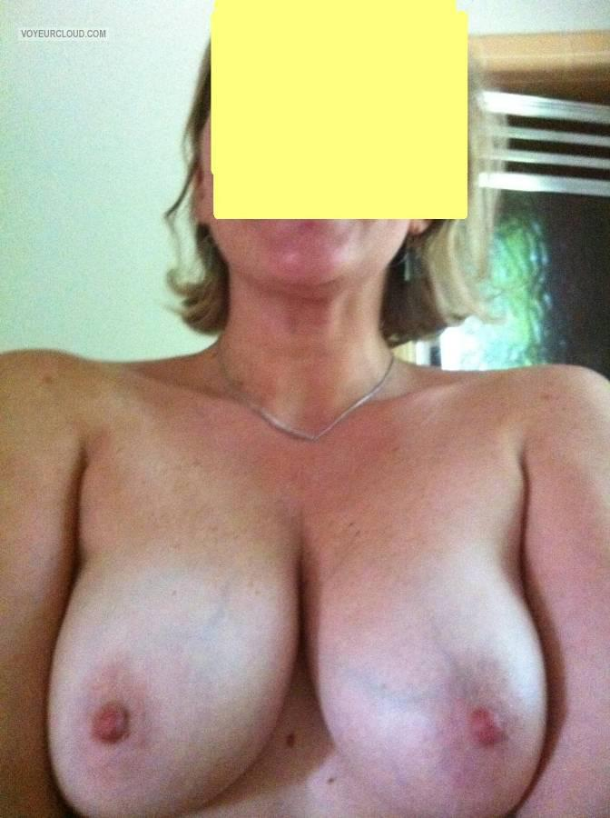Tit Flash: Wife's Big Tits (Selfie) - Baby D from United States