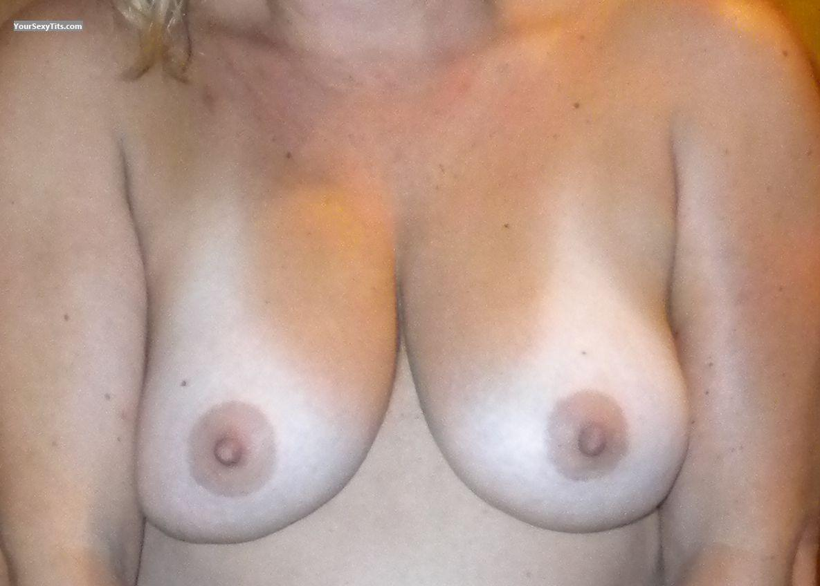 Tit Flash: Medium Tits - Hottie from United States