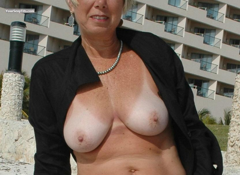Tit Flash: Medium Tits - Pricklypair from United States