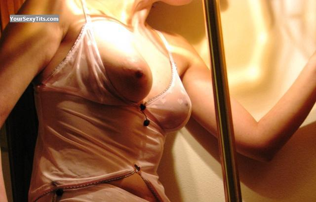 Tit Flash: Medium Tits - Liza from Italy