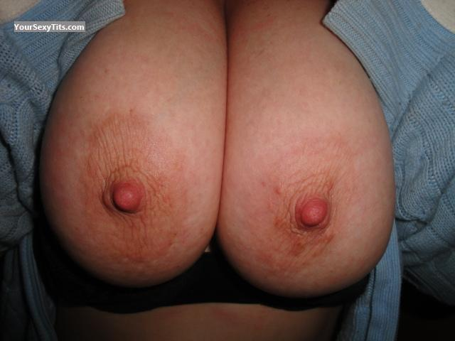 Tit Flash: Medium Tits - Girls from United States