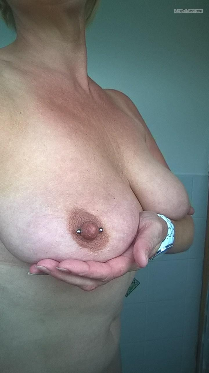 My Medium Tits Selfie by Nickynoo