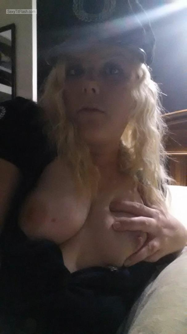 Tit Flash: My Medium Tits - Topless Hubbys Wife from Australia