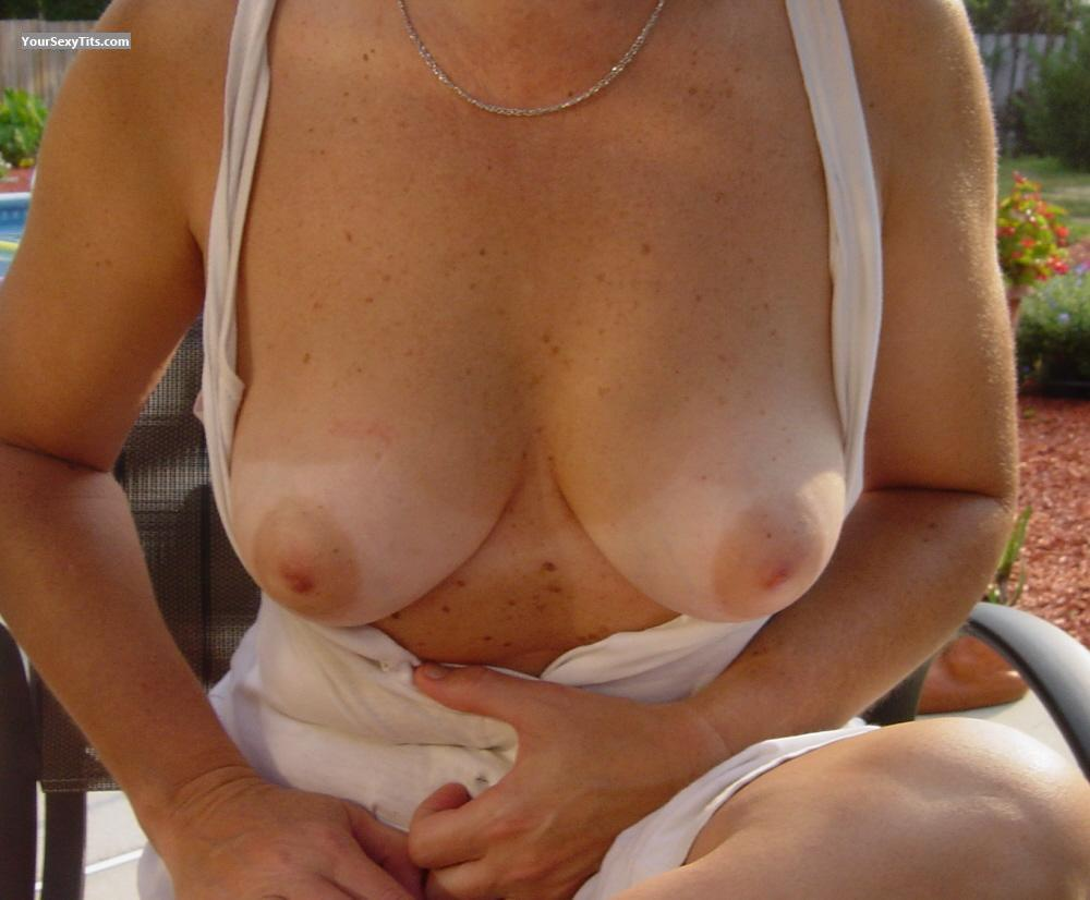 Tit Flash: Medium Tits - Anne from United States