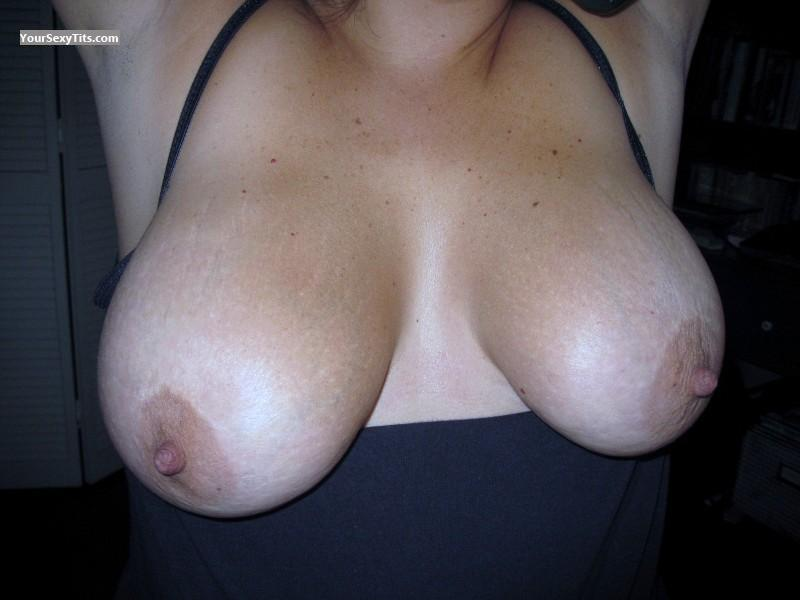 Tit Flash: Medium Tits - Beauty from United States