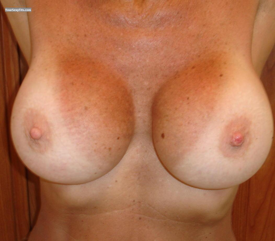 Tit Flash: Medium Tits - BOOBIE from United States