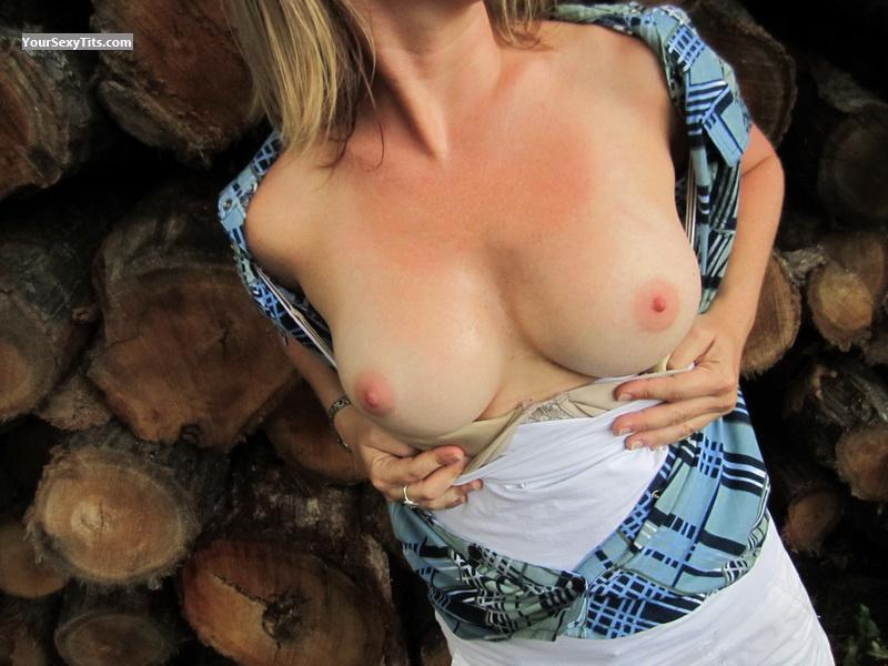 Tit Flash: Medium Tits - SpunkyGirl from United States