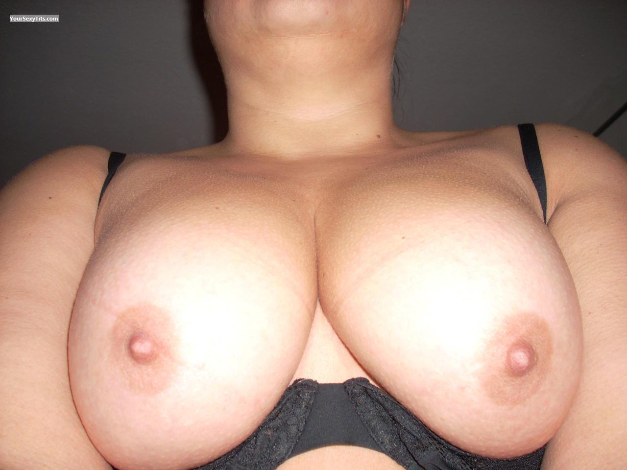 Tit Flash: Wife's Medium Tits - Suzy 4 from Germany