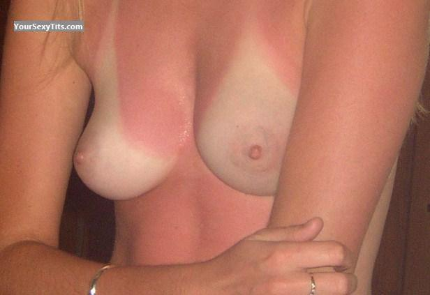 Tit Flash: Medium Tits - Lulabella from United Kingdom