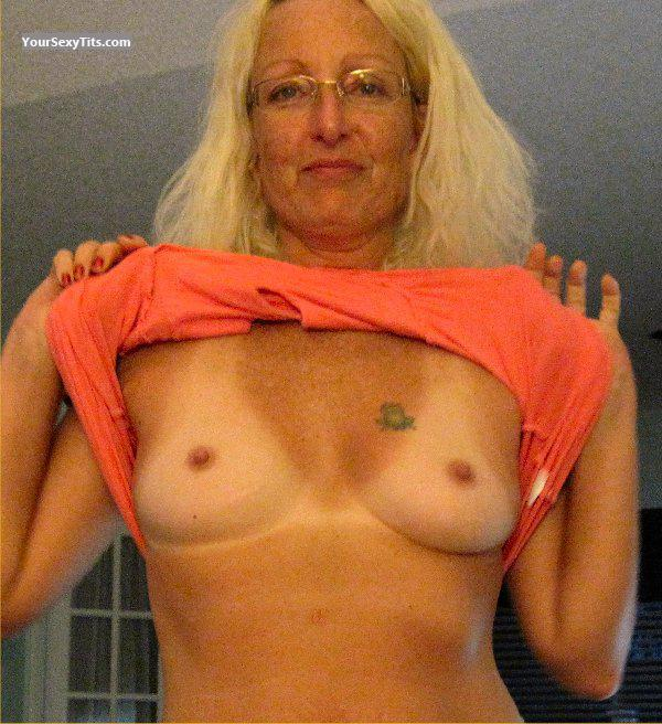 Medium Tits Of My Wife Topless Pretty Woman