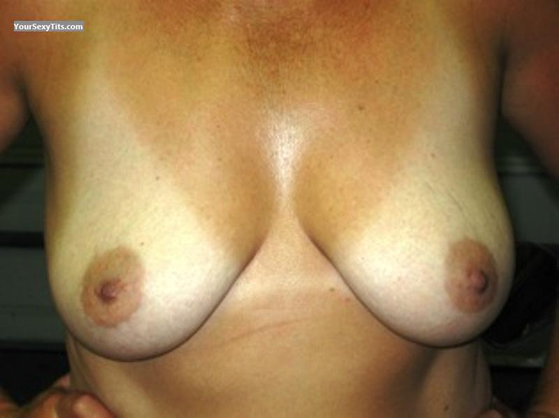 Tit Flash: Medium Tits - Superwife from United States