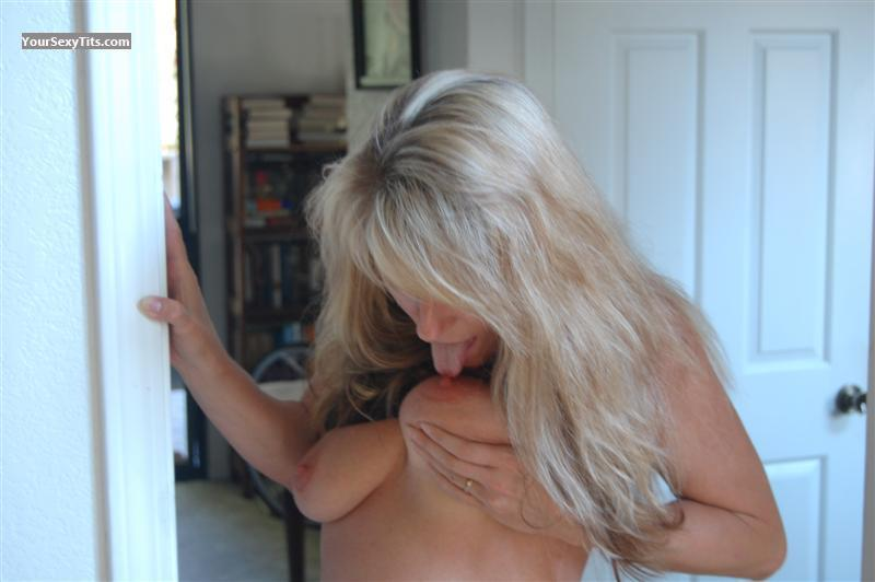 Tit Flash: Medium Tits - Nova from United States