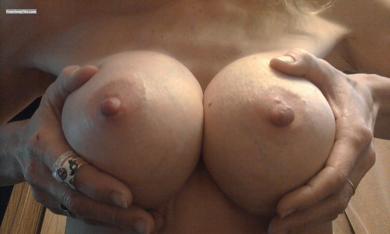 Medium Tits Of My Wife Love Em