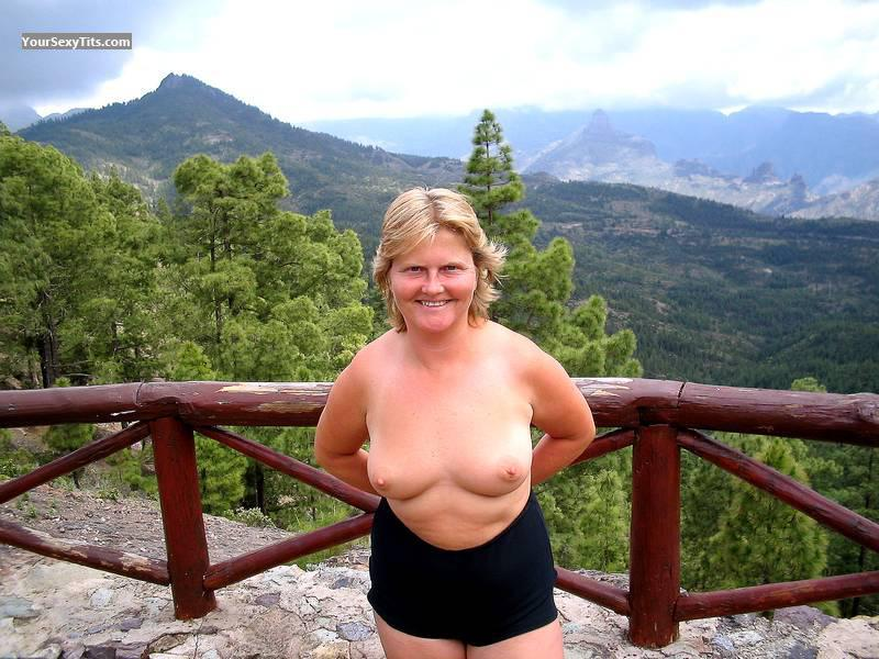 Tit Flash: Medium Tits - Topless Julie from United Kingdom