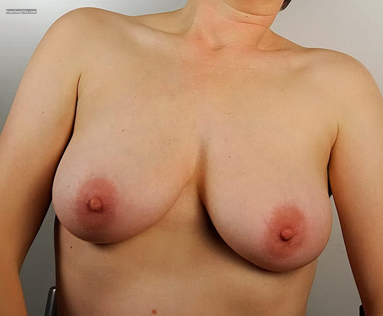 Tit Flash: My Medium Tits (Selfie) - Ringo from Netherlands Antilles