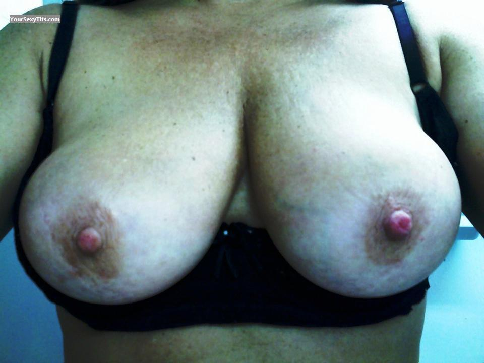 Tit Flash: My Medium Tits (Selfie) - Eva-Baby from United States