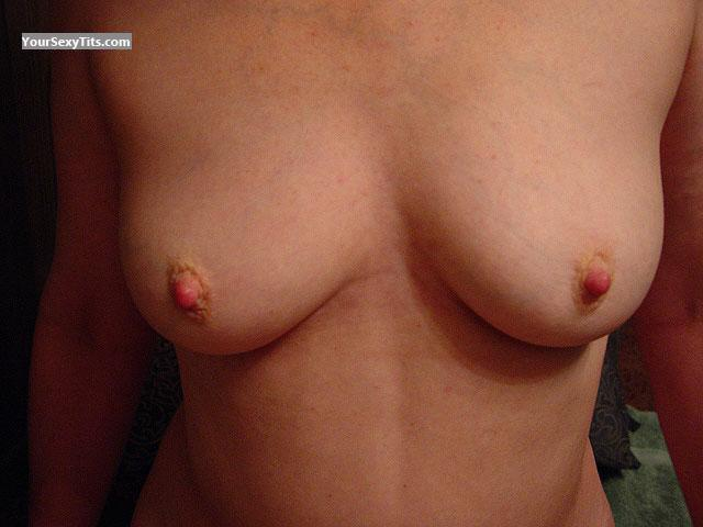 Tit Flash: Medium Tits - Velvet from United States