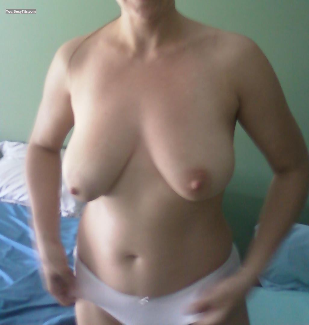 wife's medium tits - adina from united states tit flash id 100541