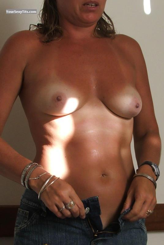 Tit Flash: Medium Tits - Agua from Spain