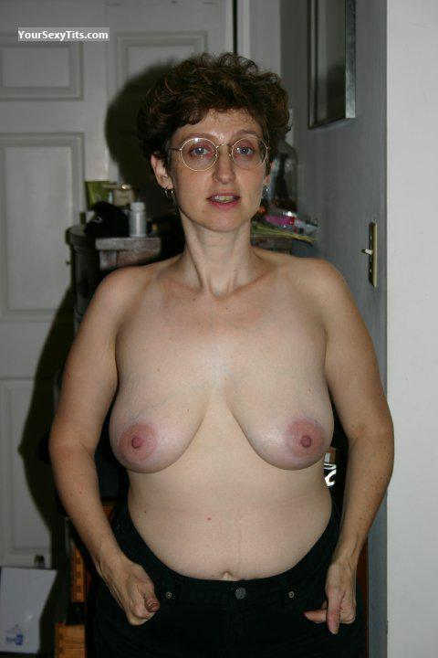 Tit Flash: Medium Tits - Topless MILF from United States
