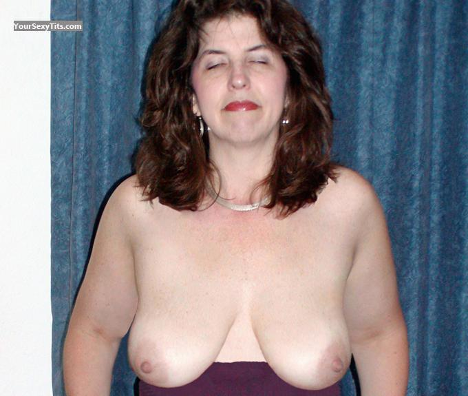 Tit Flash: Medium Tits - Topless Swingslut from United States