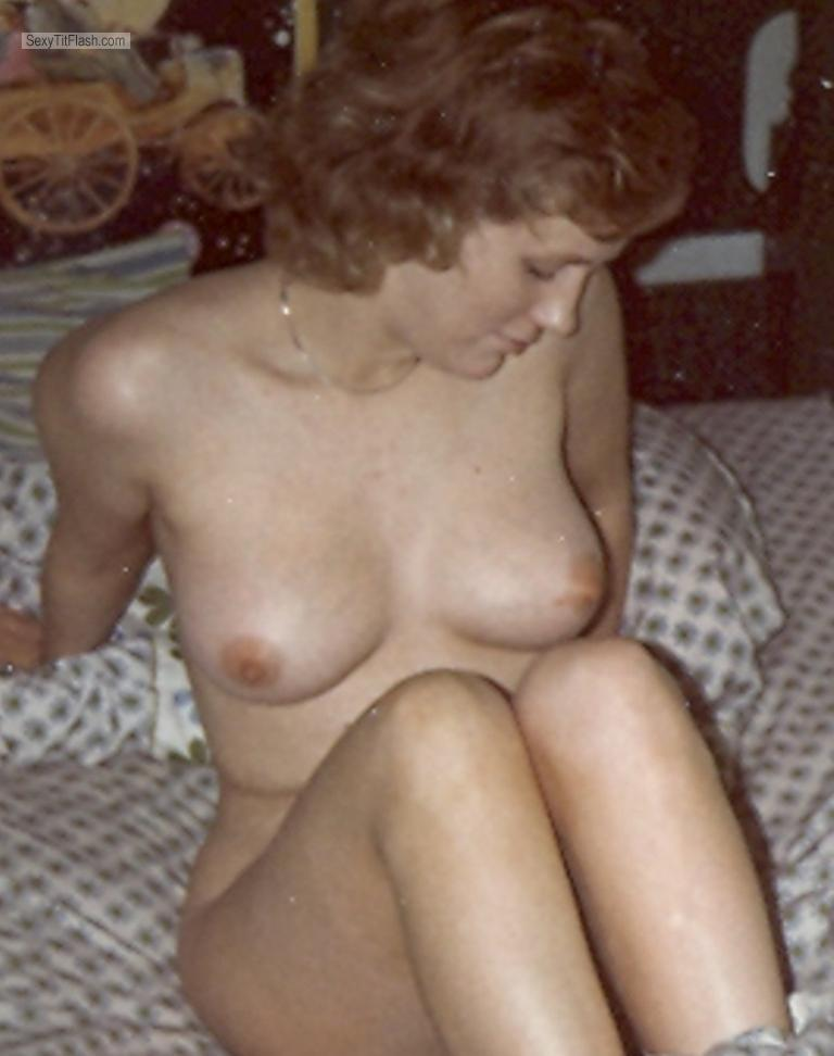 Medium Tits Of My Wife Topless Retro