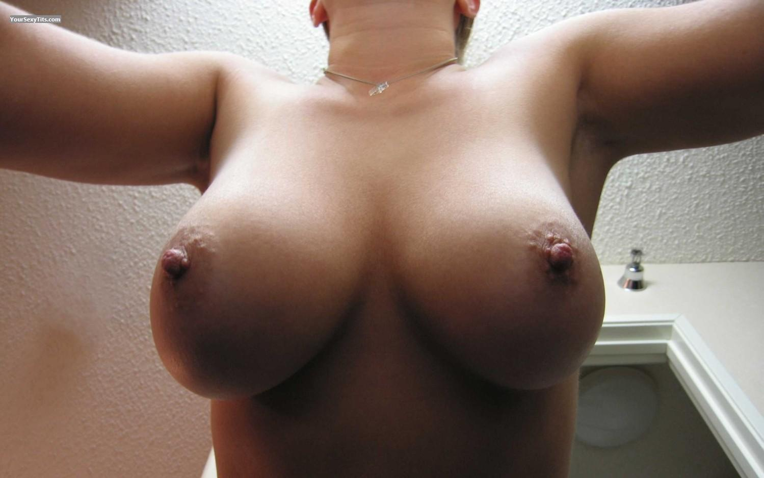 Medium Tits Faans Flasher