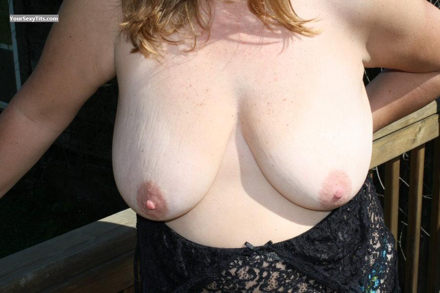 Tit Flash: Medium Tits - Tities from United States