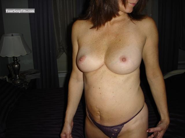 Tit Flash: Medium Tits - Ls from United States
