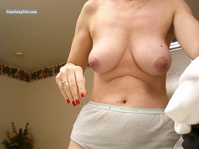 Tit Flash: Medium Tits - P from United States