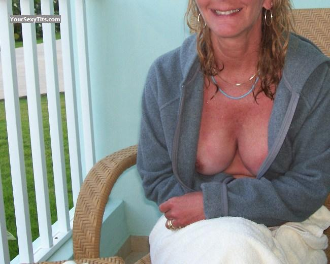 Tit Flash: Medium Tits - Riv from United States