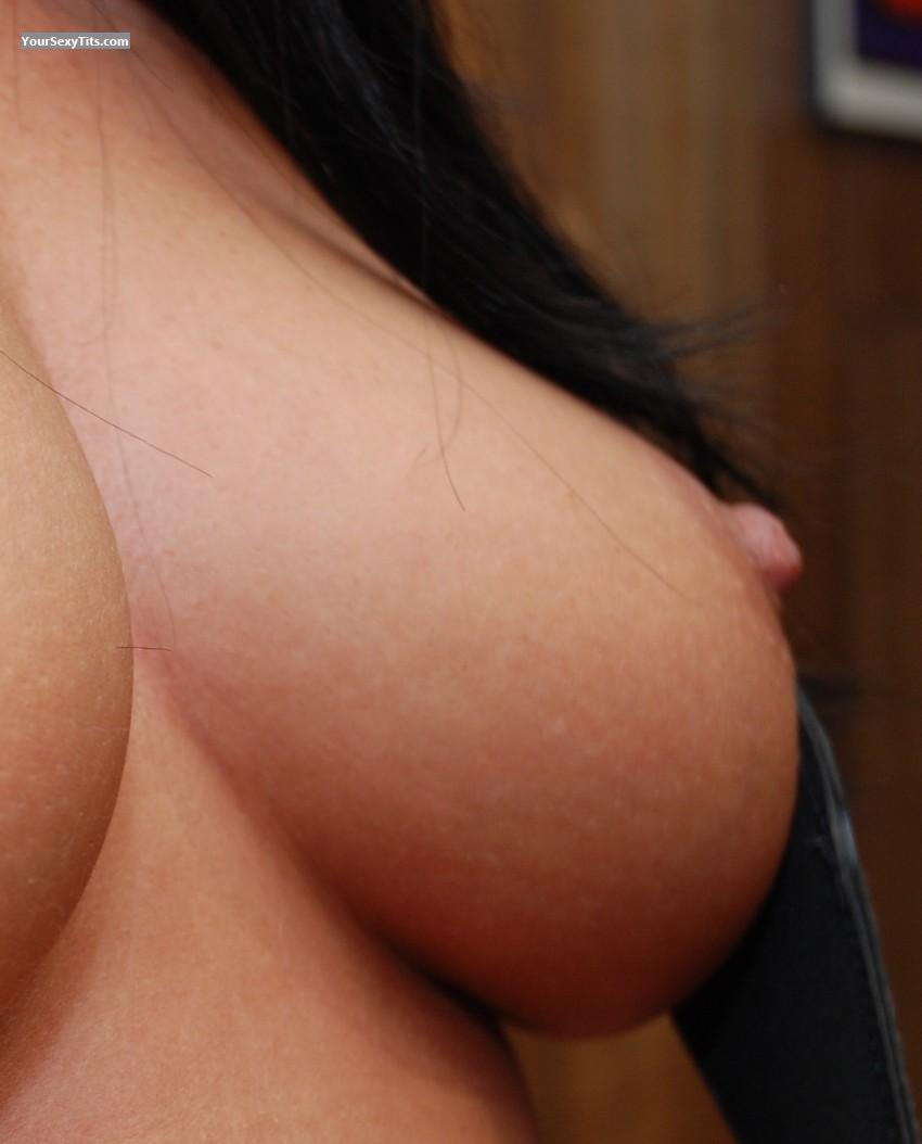 Medium Tits Nips