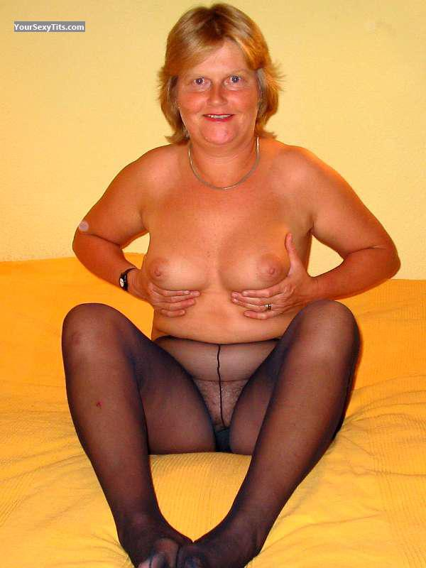 Tit Flash: Wife's Medium Tits - Topless Juliejones69@gmail.com from United Kingdom
