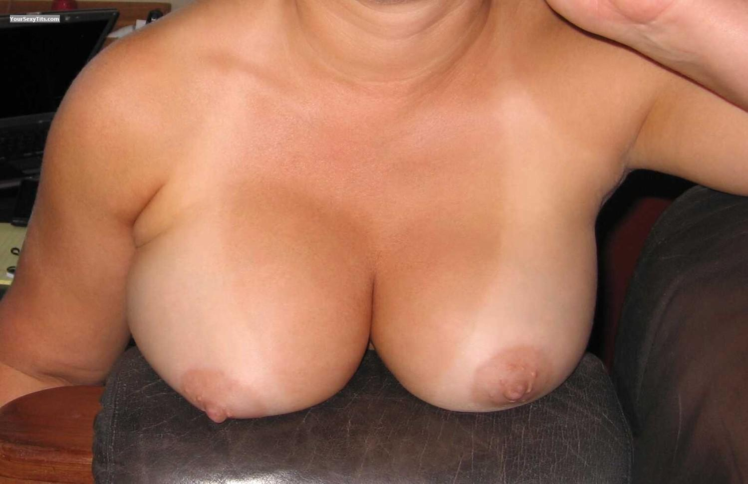 Tit Flash: My Medium Tits - Faans Flasher from United States